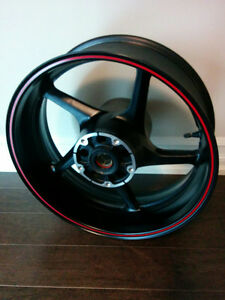 Yamaha R1 rear rim (brand new) for 2004 - 2006 YZF-R1