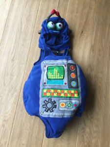 Original Kids Robot Costume 12 to 18 months - can deliver