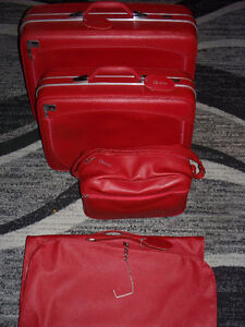 4pc Vintage Dionite red luggage set   Excellent condition
