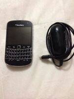 Blackberry Bold 9900 with charger