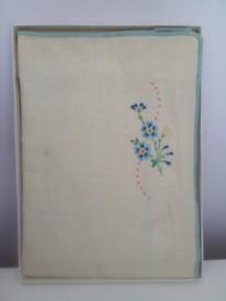 Vintage Irish Linen Embroidered Cloth/original box! Doorstep viewing!!