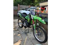 Kawasaki kx 250 2 stroke motor cross bike