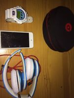 Bundle Of IPod 5th Gen Beats And Whatch