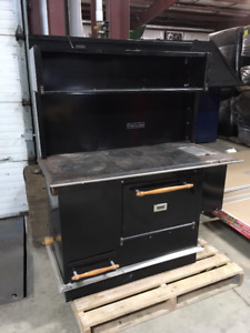 Pioneer Maid Cookstove (USED)