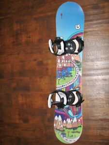 130cm Chicklet Burton Board and Bindings in excellent shape