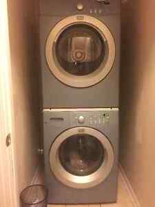 EUC Frigidaire Affinty Washer and Dryer With Stackable kit