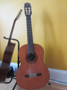 Yamaha C40 Nylon String Classical Guitar
