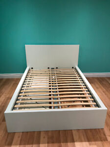 White MALM Ikea Bed with 4 storage boxes, luroy