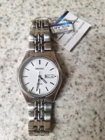 6)Men seiko solar powered watch (BRAND NEW BOXED)