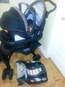 Chicco keyfit 30 stroller  ,car seat with base new condition