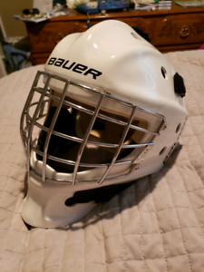Bauer youth nme3 goalie helmet, in perfect shape