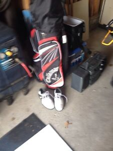Golf clubs, bag & shoes