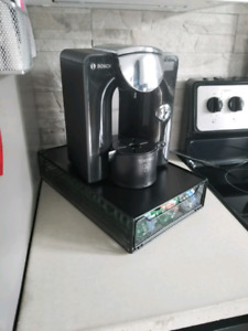 Machine tassimo, rack et capsules
