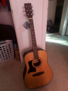 Tanglewood Acoustic Left handed guitar