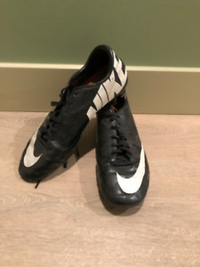 7.5 US Soccer Cleats