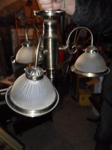 2 Lampes suspendues  - 2 plafonniers