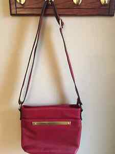 RED LEATHER HANDBAG!