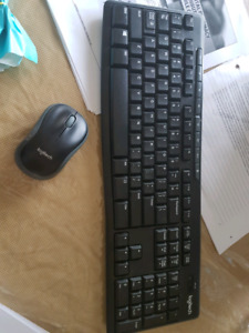 Logitech wireless mouse and keyboard duo set