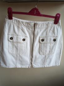 Bnwot. Topshop Denim skirt. Size 14 petite.