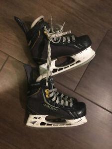 Bauer Supreme One.6 Youth hockey skates (size 1)