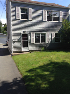 2 bedroom Flat with garage Halifax North - Utilities included
