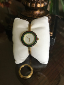 Vintage GUCCI 1100-L Gold Plated Bangle & Bezel Watch