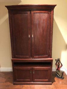 Solid Wood Dresser/Cabinet