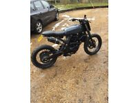 BMW f650 Funduro flat tracker project