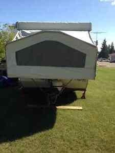 Tent trailer  in Lacombe