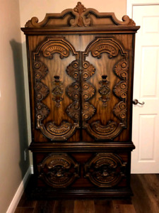 Wardrobe and dresser for sale