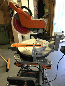 Rigid 12 inch Dual Bevel Sliding Mitre saw and stand