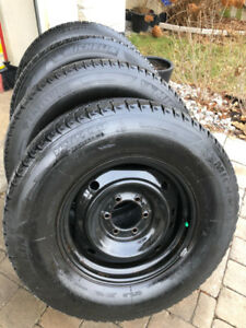 4 Toyota 4runner steel rims with Michelin winters 265 70 17
