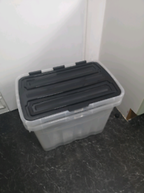 3x storage boxes