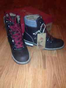 Brand new brown size 6 Kodiak boots