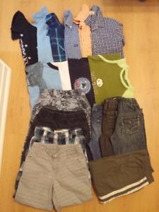 Lot 20 vêtements garçon de 4 - 7 ans vendre 50$