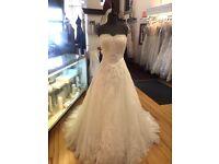 Lace wedding dress size 10-12 brand new