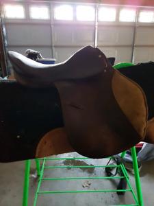 """17"""" rossi caruso close contact saddle"""