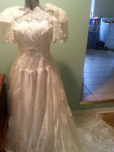Vintage wedding gown & veil
