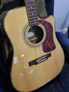 WASHBURN ACOUSTIC/ELECTRIC  6 STRING.