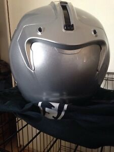 3/4 silver HJC helmet BRAND NEW Kawartha Lakes Peterborough Area image 4