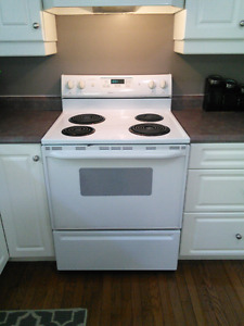 Sold - PPU - Magic Chef / Maytag Stove