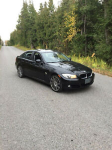 2011 BMW 328xi (very good condition)