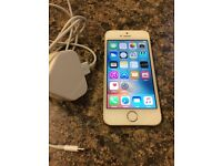 iPhone 5S 16GB Gold in very good condition.