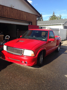 2000 GMC Sonoma Red Pickup Truck