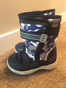 Fall/ Winter boots us 7