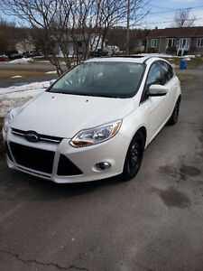 2012 Ford Focus sel cuir, toit ouvrant, bluetooth(neg.)