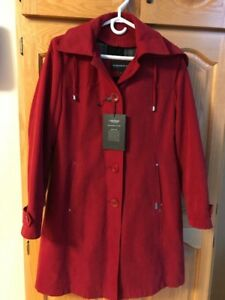 Woman's London Fog Coat 6p