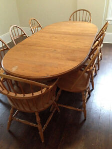 Solid Pine Double Pedestal Table with 8 Solid Chairs