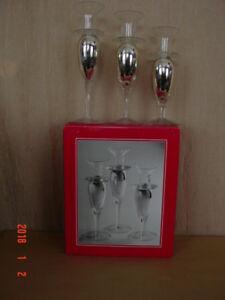 3 beaux chandeliers ( neufs )