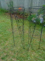 Plant stands Both 20$  - Top Diameter: 12 Inches  - Bottom Diame